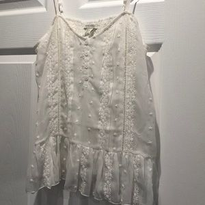 Delicate detailed white top